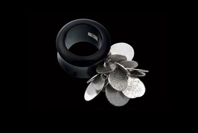 Black jingle 1: silver and polished horn ring