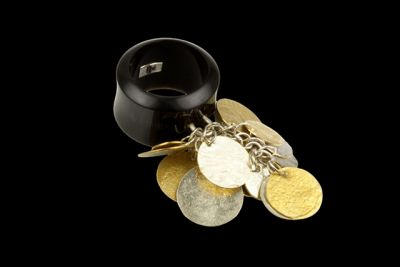 G.&.S Black jingle: gold plated silver and polished horn ring