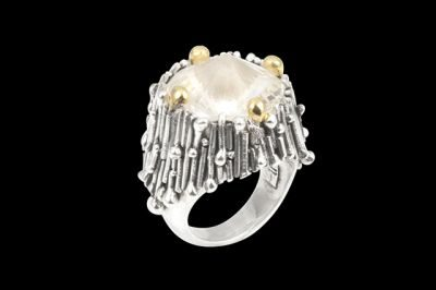 Everest 1: Silver and gold plated ring with conic cut crystal quartz