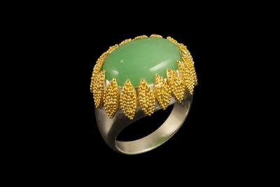 Green Crown: Gold plated silver ring with crysopras