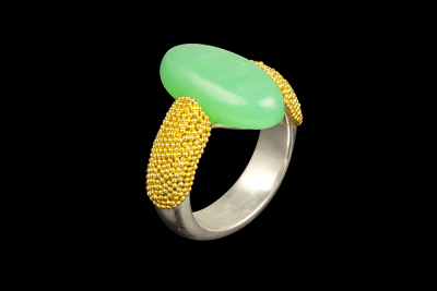 Green Island: Gold plated silver ring with chrysoprase