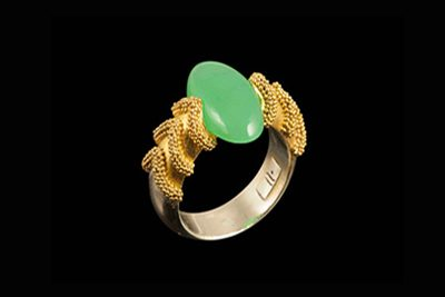River Ring: Gold plated silver ring with crysopras