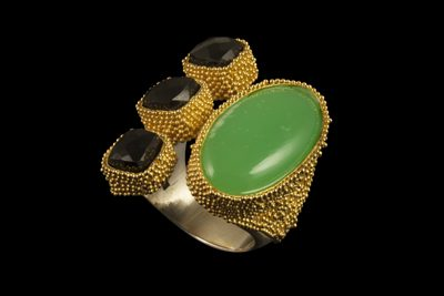 Golden Space Dots 1: Gold plated silver ring with crysopras and black spinel