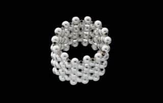 Net 8: Round silver beads ring