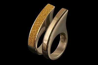 Virgola 3: Set of 2 rings in gold plated silver and 4ct gold
